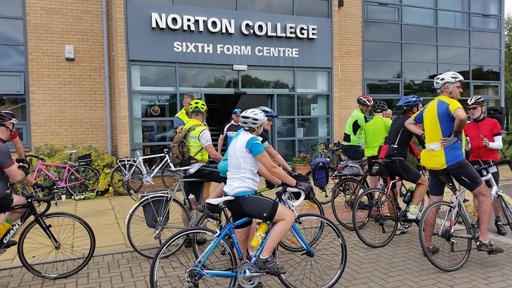 Cyclists lining up at the start at Norton College